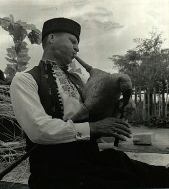 Gaida - Bulgarian gaida player, a pre- 1945 photo. Central State Archive, Sofia