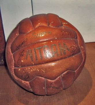 1955–58 Inter-Cities Fairs Cup - Image: Balón Final Copa de Ferias 1958