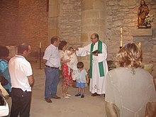Battesimo in una chiesa cattolica.