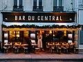 Bar du Central. Rue Saint-Dominique - panoramio.jpg