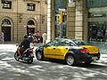 Barcelona Street Life (7852582130).jpg