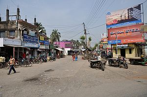 Dhubulia - This Dhubulia bazaar area is adjacent to the National Highway 34.