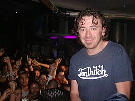 Benassi in El Salvador (2004)