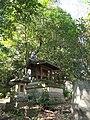 Benten Shrine (弁天) in the Kyodo 5-chome Nature Preserve (経堂五丁目特別保護区) - panoramio.jpg