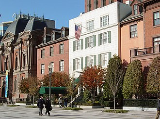 Attempted assassination of Harry S. Truman - Blair House, site of the attempt, shown here circa 2006. At the time of the attempt, there were two guard booths in front, which are not present in this image.