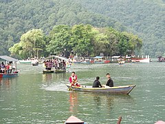 Boats in Fewa lake 01.JPG