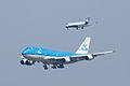 Boeing 747-400 and CRJ-700.jpg