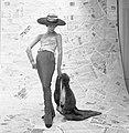 Boleslaw Senderowicz - Sin título, de la Serie Modas, 1955.jpg