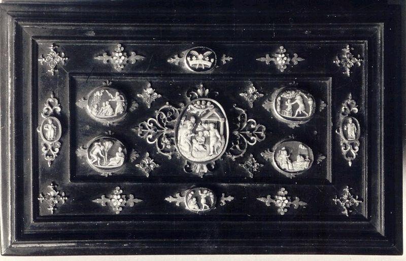 File:Bona Sforza casket.JPG