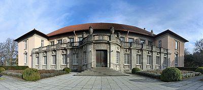Bonatzbau Universitätsbibliothek Tübingen März 2016.jpg