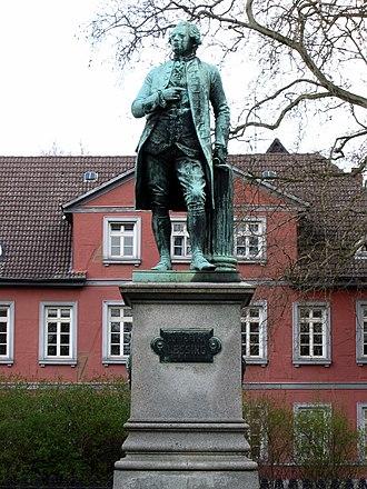 Ernst Friedrich August Rietschel - Image: Braunschweig, Lessingdenkmal (Lessingplatz) (2)