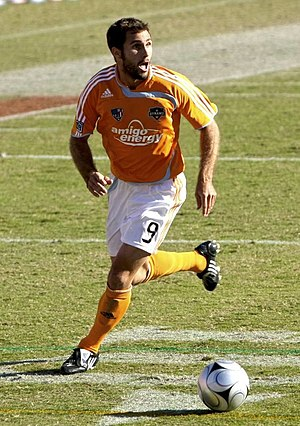 Houston Dynamo - Brian Mullan vs. the New York Red Bulls during the 2008 Western Conference Semifinals at Robertson Stadium.