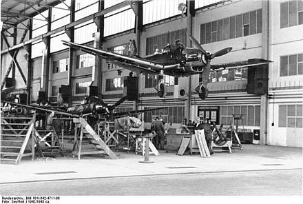 Two Junkers Ju 87 Ds near completion Bundesarchiv Bild 101I-642-4711-08, Produktion von Junkers Ju 87.jpg