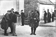 Bundesarchiv Bild 183-J27289, Frankreich, Festnahme von Franzosen