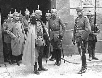 Hans von Seeckt - Hans von Seeckt (3rd from right) next to Wilhelm II. (center) and von Mackensen (2nd from right) 1915