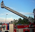 Camión de bombeiros con escada.jpg