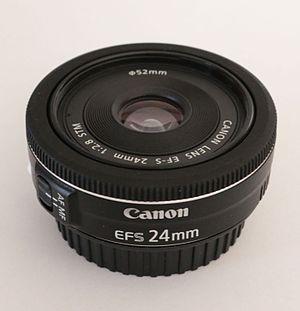 Canon EF 24mm lens - Image: Canon EF S 24mm F2.8 STM 2