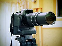 Canon EOS 450D with Canon EF 75-300mm F4-5.6 III lens-flickr - by - AaronE™.jpg