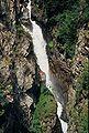 Cascade dans le massif des Écrins.jpg