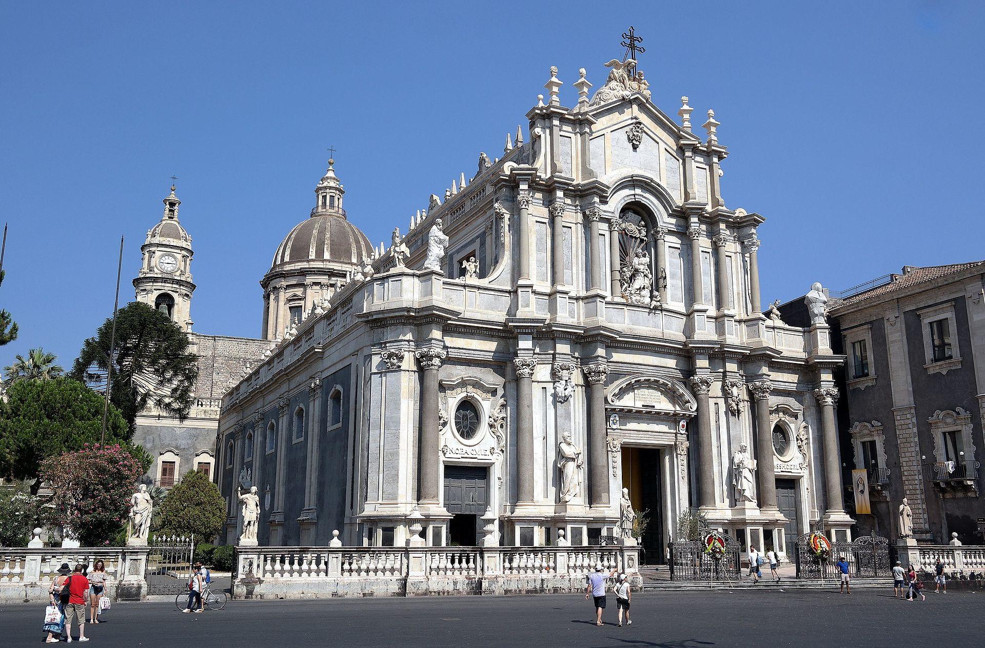 Catania - Cattedrale di Sant'Agata 02.jpg