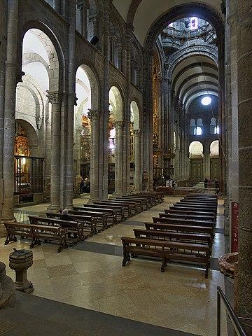File catedral de santiago wikimedia commons - Interior santiago de compostela ...