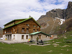 Chalet Ray in Bulgaria.jpg