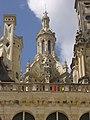 Chambord - château, cour (31).jpg