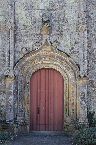 Chapelle de la Trinité (Plumergat): porte principale au nord