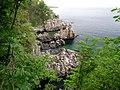 Charakterystyczne skały Helligdomsklipperne - panoramio.jpg