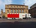 Charleville-Mézières-FR-08-camion d'animation devant le théâtre-01.jpg