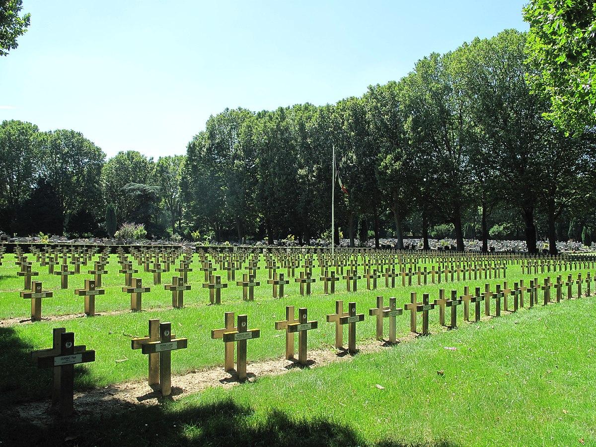 cimitero parigino d 39 ivry wikipedia. Black Bedroom Furniture Sets. Home Design Ideas