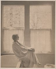 Clarence H White, Morning - The Bathroom, 1906.jpg