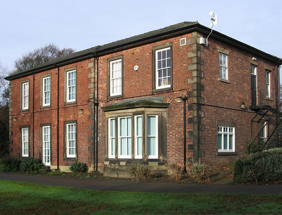 Clay Cross - Hall (Geograph-2159096-by-Dave-Bevis)