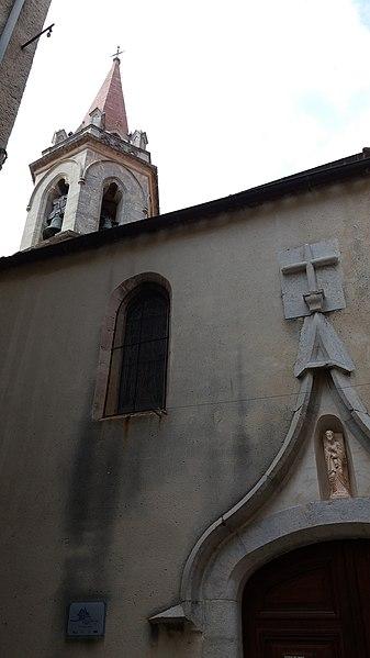 Clocher et porte de l'église Saint-André - La Cadière d'Azur.