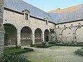 Cloitre de l'abbaye Saint-Magloire de Léhon (3).JPG