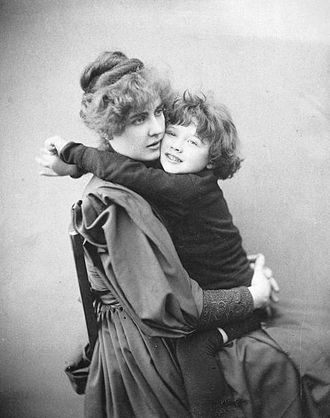 Constance Lloyd - Constance with her son Cyril in 1889