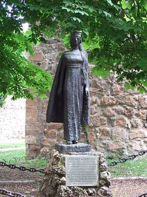 Christina of Norway, Infanta of Castile - Statue of Infanta Christina made by artist Brit Sørensen in Covarrubias, Spain, a copy was later erected in Tønsberg
