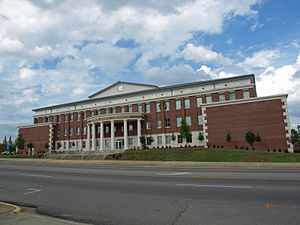 Cullman County Courthouse May 2013 2.jpg
