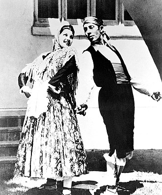 Rita Hayworth - Margarita Cansino at age 16, with her father and dancing partner Eduardo Cansino (1933)