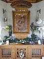 De Rips (Gemert-Bakel) kapel Maria van Liefde, madonna met kind, reliëf.JPG