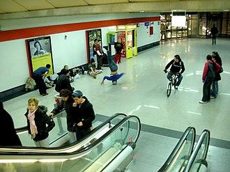 Móstoles Central (Madrid Metro) - Image: De cabeza