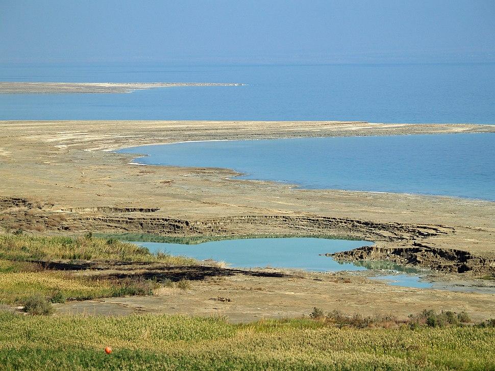 Dead Sea sinkhole by David Shankbone