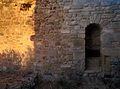 Dettaglio all'interno delle mura del castello di Las Plassas.jpg