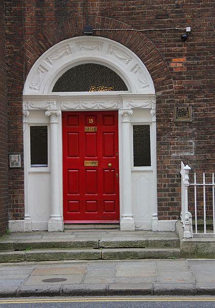 File:Dublin 14 15 Kildare Street.JPG
