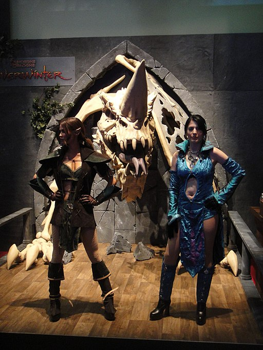 E3 Expo 2012 - Dungeons & Dragons Neverwinter girls