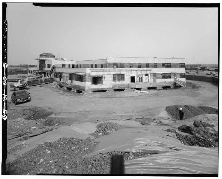 File:EAST ELEVATION LOOKING WEST. - Newark International Airport, Administration Building, Brewster Road between Route 21 and New Jersey Turnpike Exchange No. 14, Newark, Essex HAER NJ,7-NEARK.V,1B-3.tif