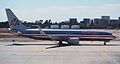 EM AA 737-800 (2603428766).jpg