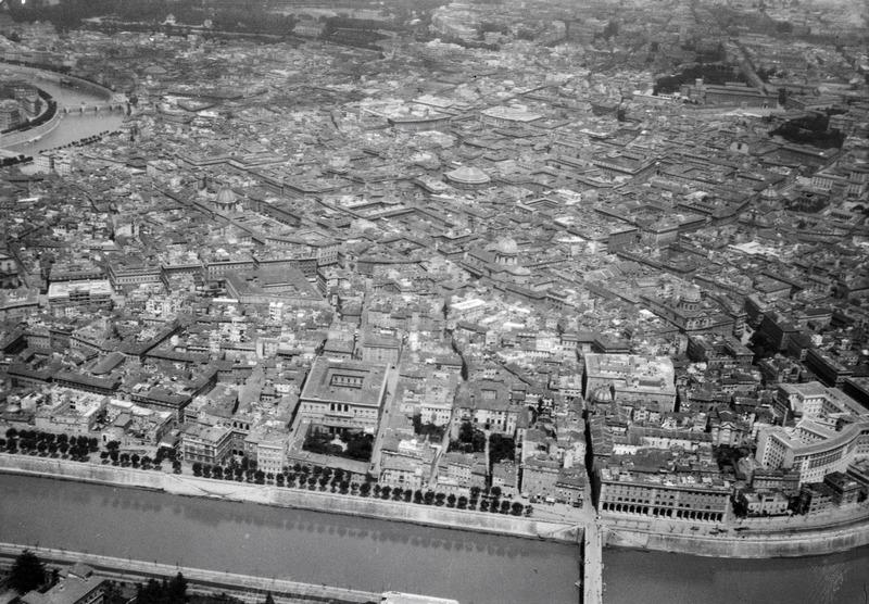 File:ETH-BIB-Rom (Tiber) aus 500 m Höhe-Mittelmeerflug 1928-LBS MH02-04-0148.tif