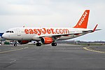 EasyJet, G-EZWZ, Airbus A320-214 (45296485014).jpg