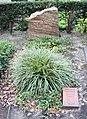 Ehrengrab Trakehner Allee 1 (Westend) George Grosz.jpg